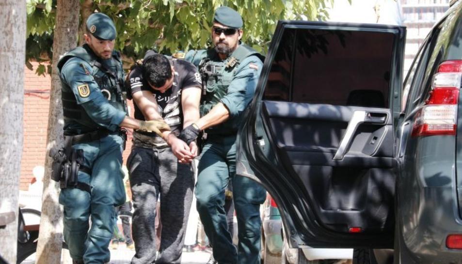 Moment de la detenció de Said Ben Iazza a Vinaròs.