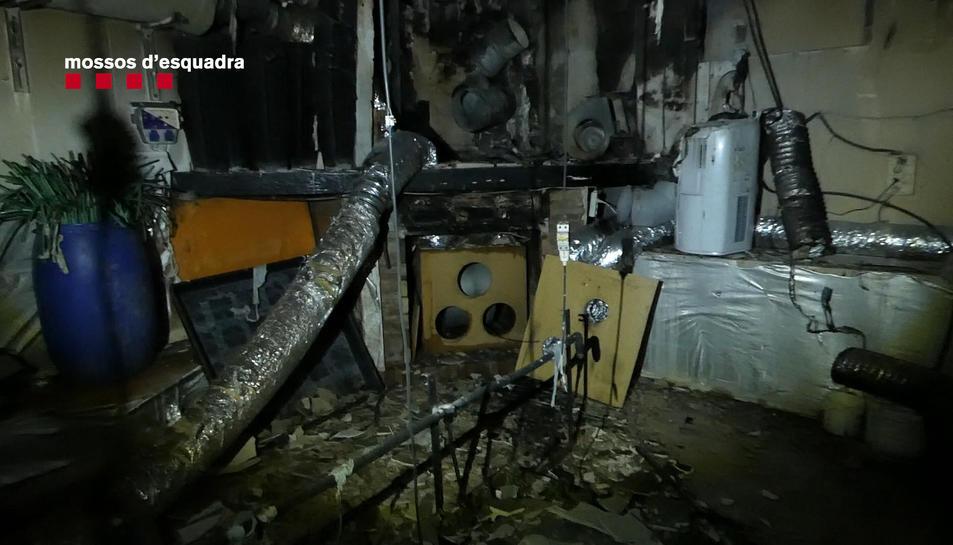 Imatge de la part del soterrani afectada pel foc.