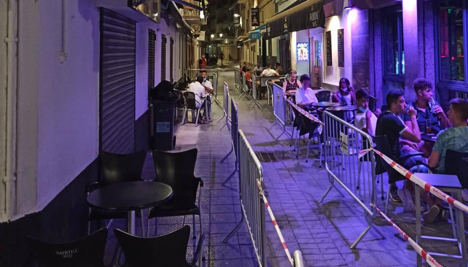 Pla general del carrer Primer de maig, també conegut com a carrer del Pecat, la zona d'oci nocturn de Sitges.