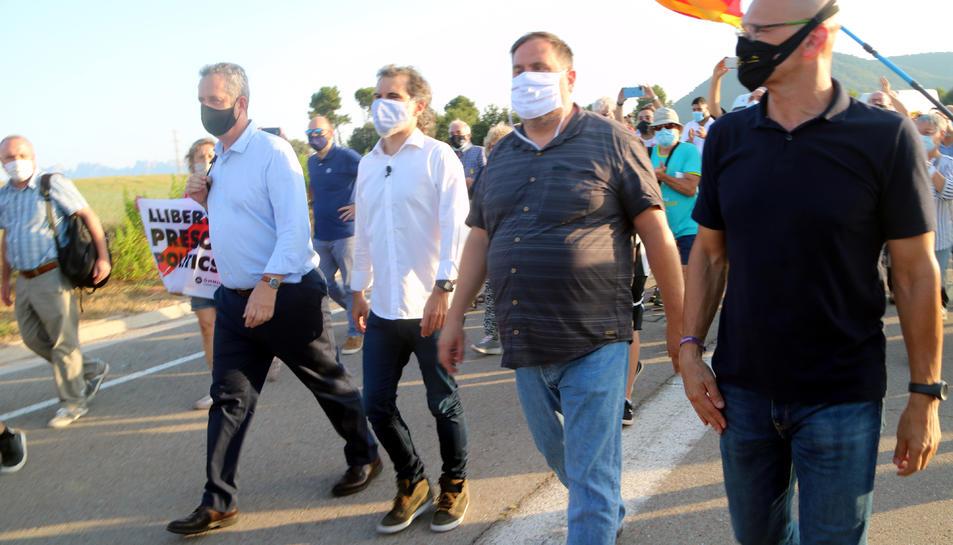 Els presos independentistes abans d'entrar a Lledoners. Imatge del 28 de juliol del 2020.
