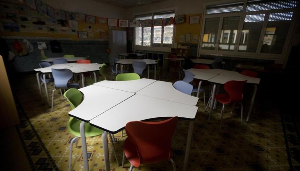 Imatge d'una aula buida.