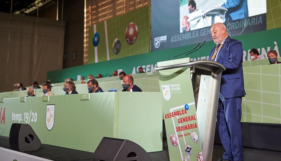El president de l'FCF, Joan Soteras, explicant el pla de competició per a la temporada 2020-21.