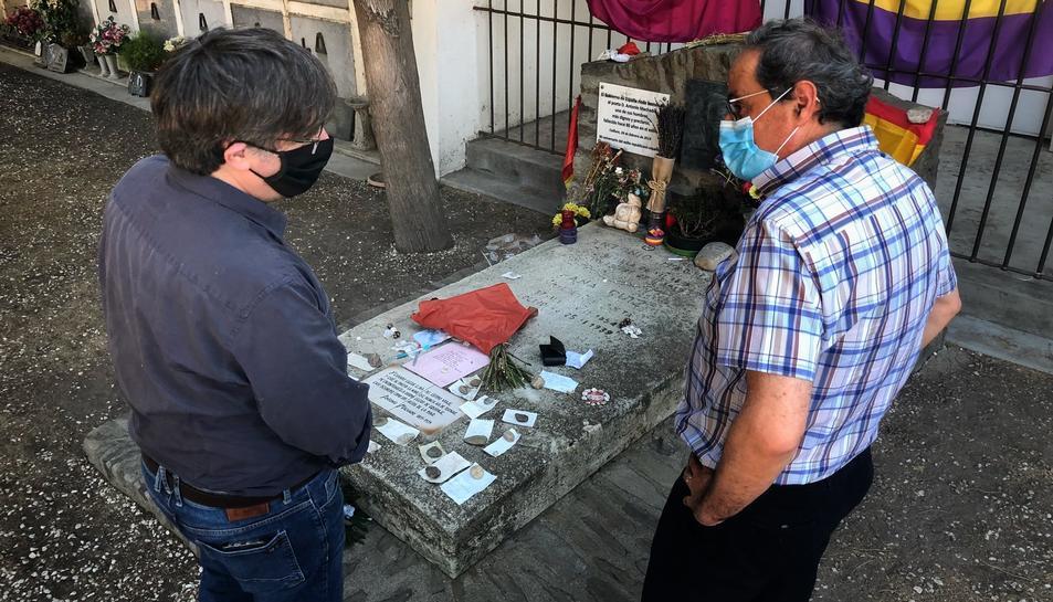 Puigdemont i Torra davant de la tomba de Machado