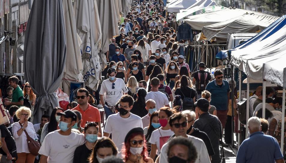 Les infeccions en el món totalitzen 24,85 milions, amb 265.888 nous comunicats en les últimes 24 hores.