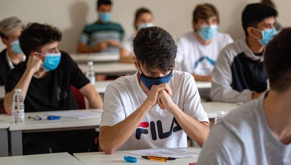 Els estudiants aïllats rebran la docència corresponent de forma no presencial.