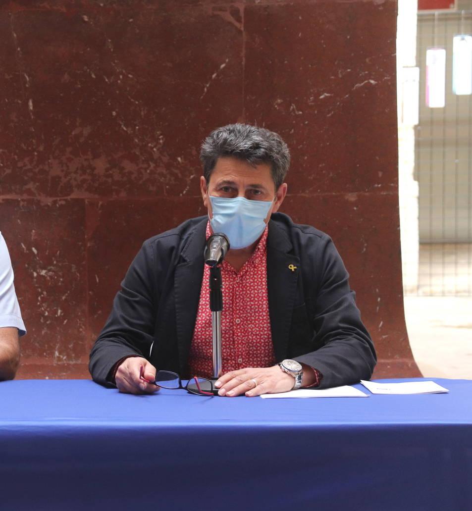 El cap de la Guàrdia Urbana de Tarragona, Enrique Fernández, i del conseller de Seguretat Ciutadana, Manel Castaño.