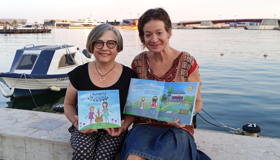 Rosa M. Rodes i Mònica Tarifa, il·lustradora i autora del conte.