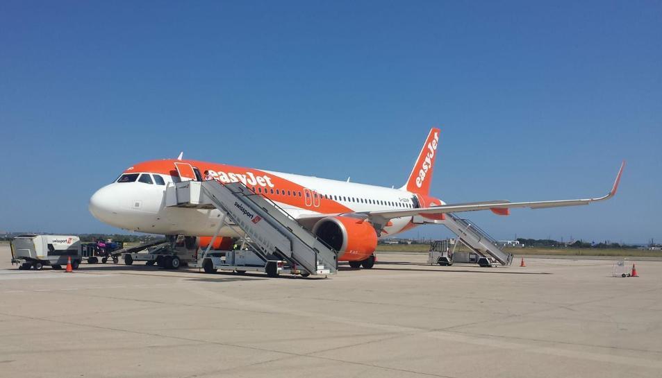 El primer vol de l'enllaç entre Reus i Luton, al juliol.