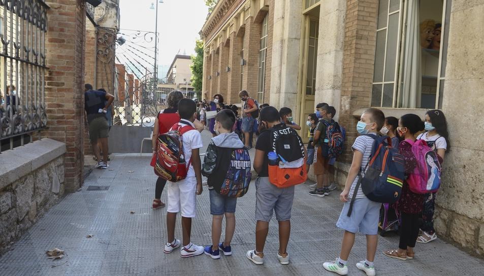 Primer dia dels nous curs a l'Escola Prat de la Riba de Reus amb les mesures de seguretat obligades per la pandèmia.