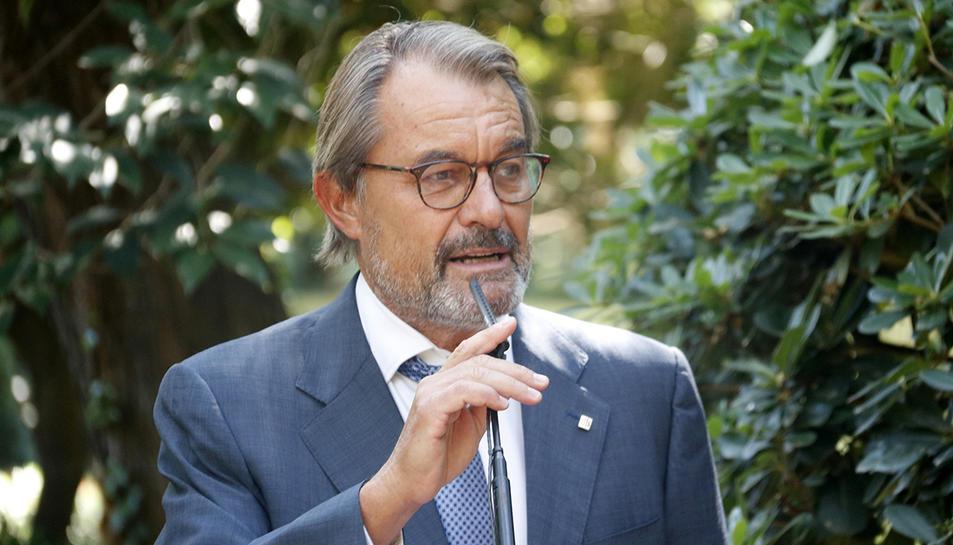 L'expresident de la GEneralitat, Artur Mas, durant la roda de premsa d'aquest dilluns.