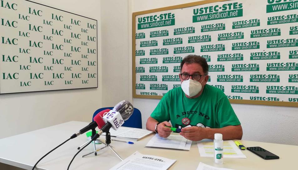 Juan Carlos Feijóo va valorar l'inici de curs en una roda de premsa a la seu d'USTEC-STEs.