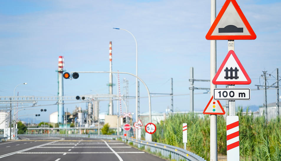 Nova senyalització en els encreuaments dins del Port de Tarragona.