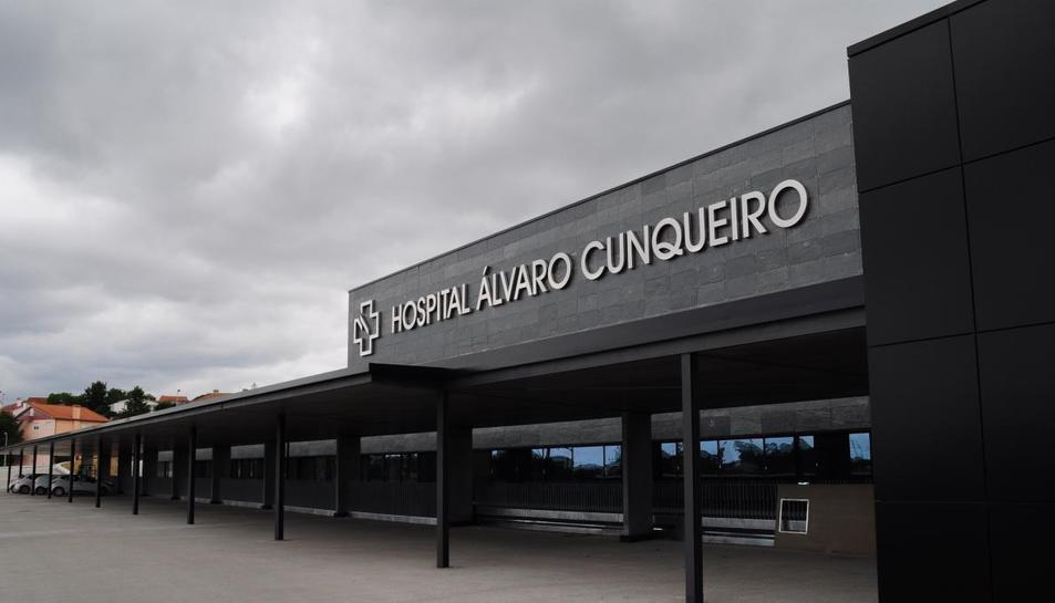 Els avis van ser traslladats a l'hospital Álvaro Cunqueiro de Vigo.
