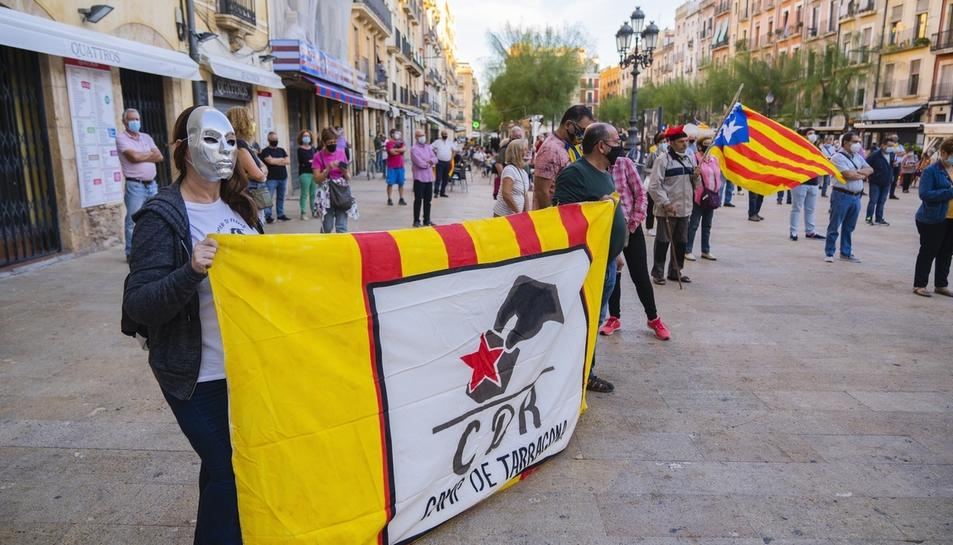 Concentración en Tarragona para rechazar la inhabilitación de Torra