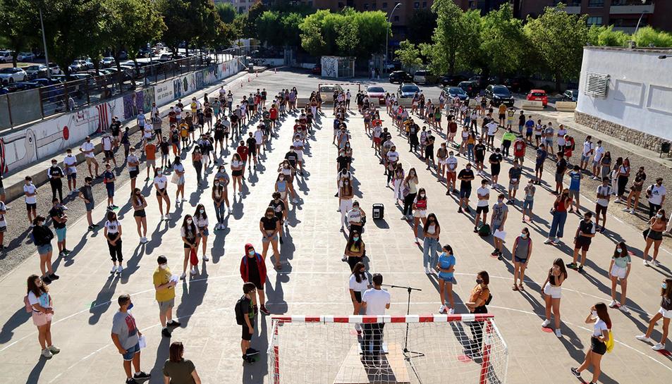 Imatge del primer dia del curs escolar a l'Institut Martí Franqués.