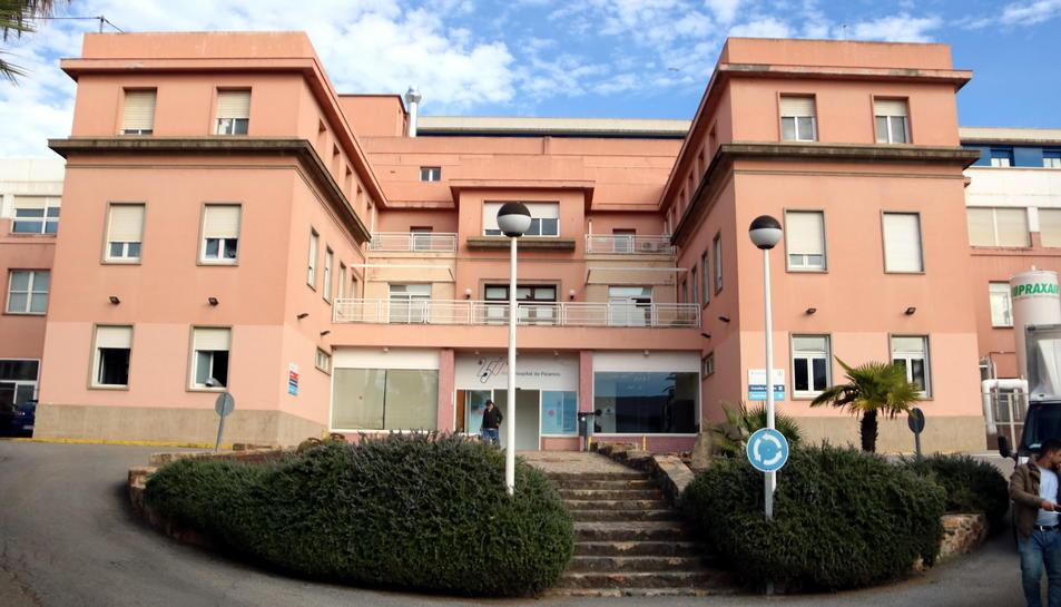 La façana principal de l'hospital de Palamós.