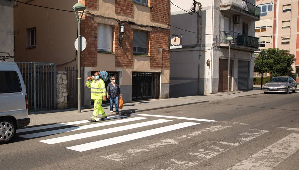 Imatge d'un pas de vianants del barri de Torreforta.