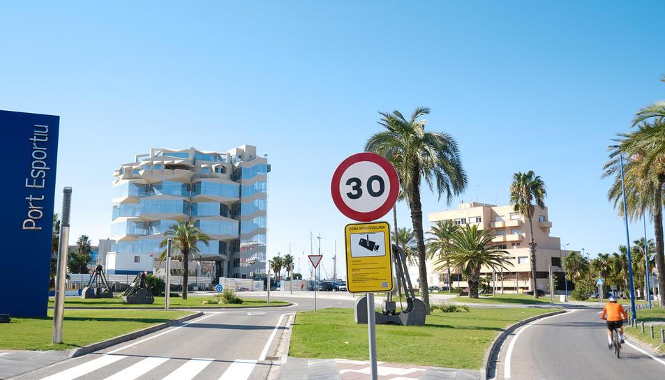 Un dels senyals modificats a la zona del port.