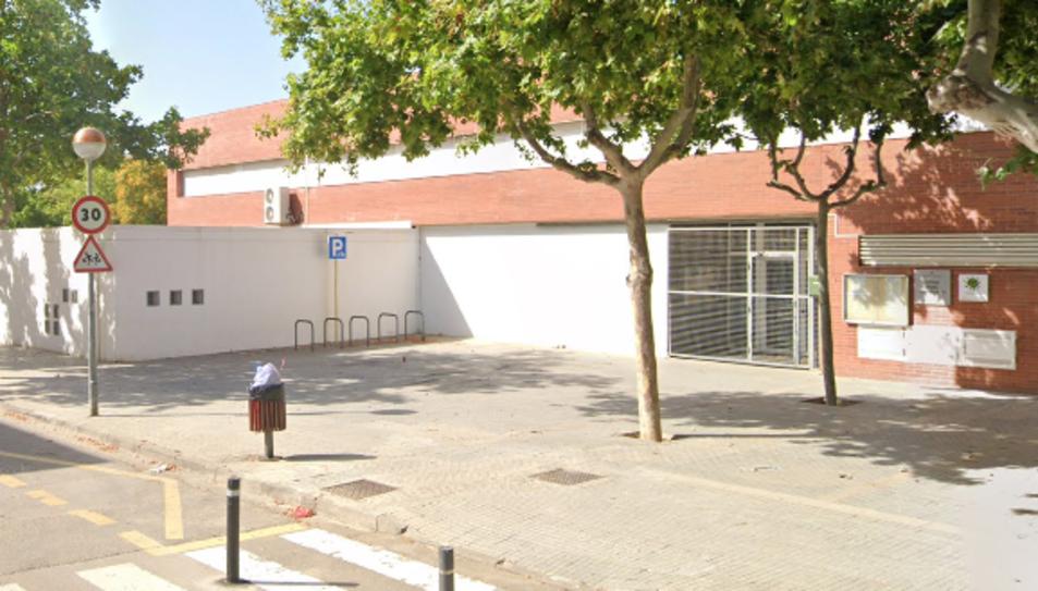 Façana de l'Institut Escola Joan Ardèvol de Cambrils.