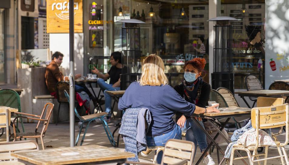 Aquesta imatge de bars i restaurants oberts ja no es repetirà fins d'aqui 15 dies, com a mínim.