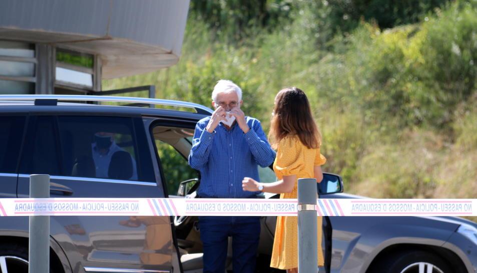 L'extresorer de CDC Daniel Osàcar baixant del cotxe abans d'entrar a la presó de Brians 2.
