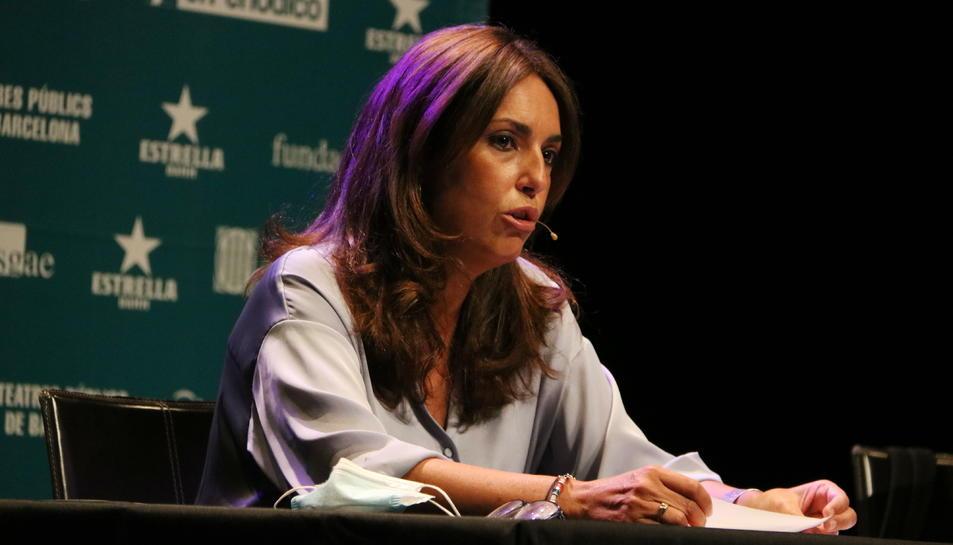 La presidenta d'ADETCA, Isabel Vidal, en la presentació de l'arrancada de la nova temporada teatral a Barcelona