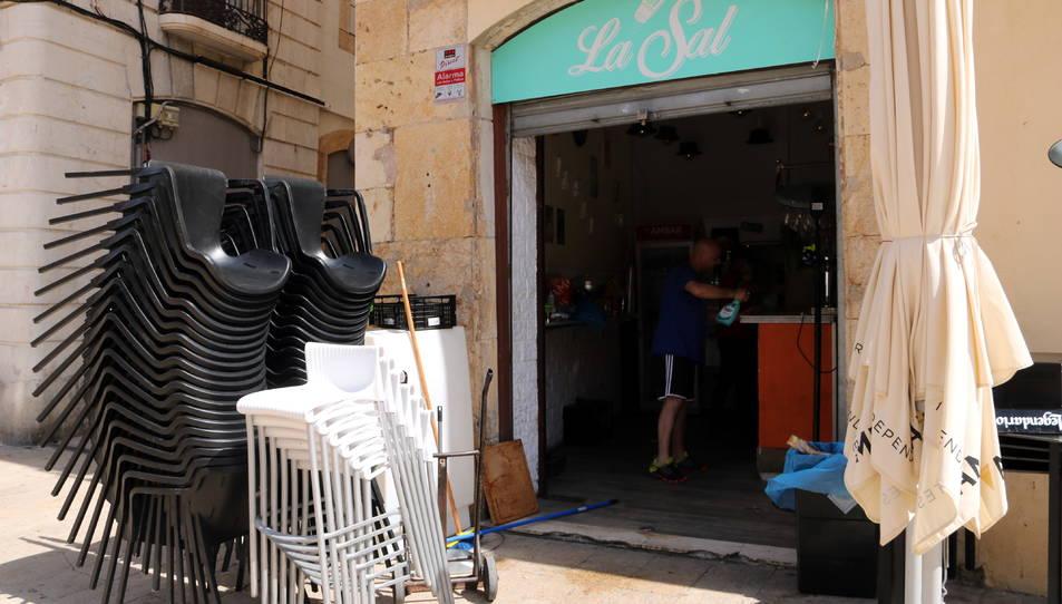Imatge d'arxiu d'un bar tancat.