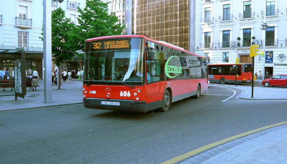 Imatge d'arxiu d'un autobús urbà a Saragossa.