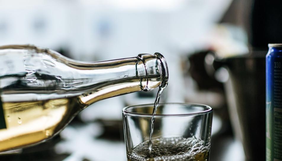 Reutilitzar una ampolla permet estalviar entre un 0,56 i 2,6 kg de CO2 acumulat després de 8 cicles.