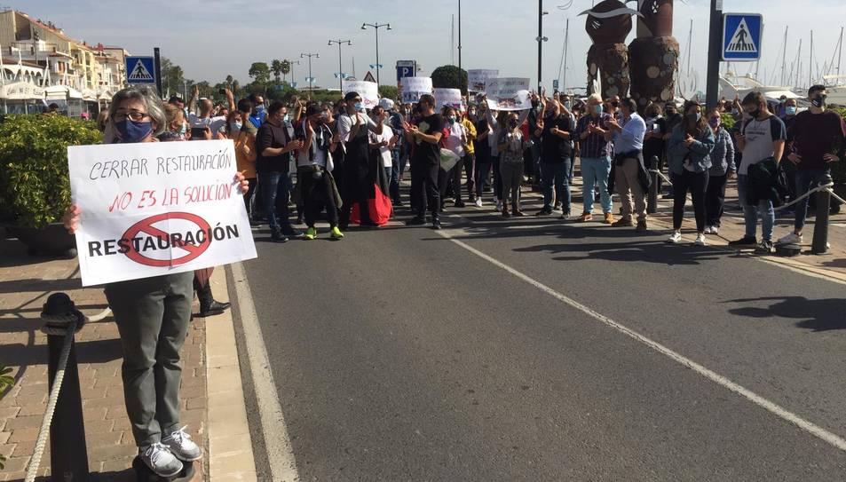 Imatge de la protesta del sector hosteler a Cambrils.