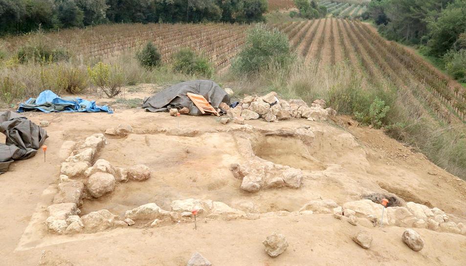 Un dels recintes excavats al jaciment Font de la Canya.