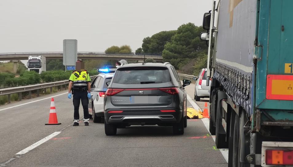 Un camió i un turisme ha patit una col·lisió per