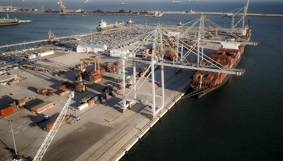 Permetrà accedir a la direcció d'operacions logístiques de qualsevol empresa orientada a la producció o als serveis.