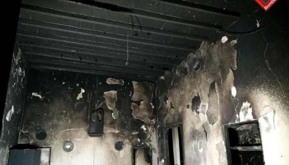 Una persona ha mort en un incendi declarat a primera hora del matí d'aquest dissabte en un habitatge unifamiliar del municipi alacantí de Tàrbena