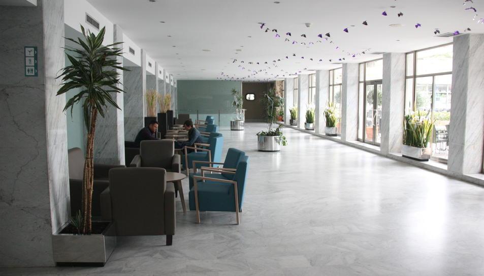 La cafeteria interior de l'hotel Salou Park, de Salou.
