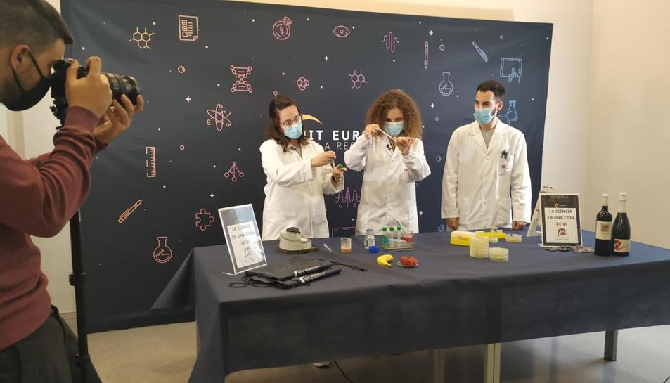Els tallers científics que investigadors de Tarragona han gravat per poder seguir a partir del 27 de novembre dins La Nit Europea de la Recerca.