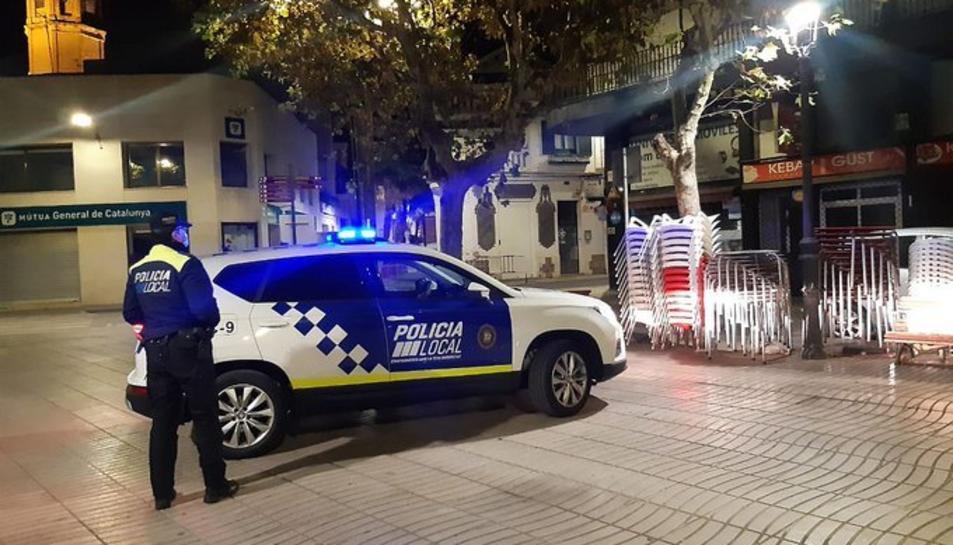 La Policia Local del Vendrell, patrullant.