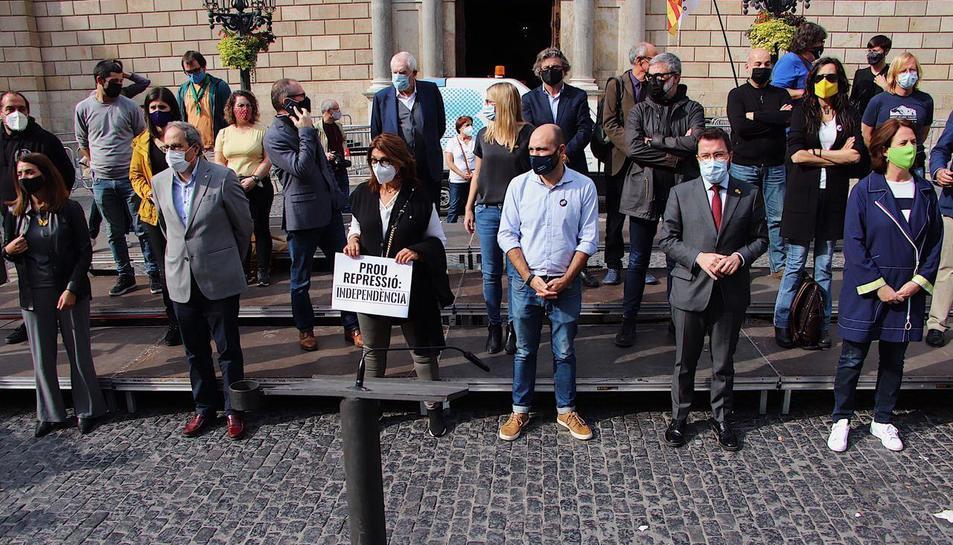 Formacions polítiques, ANC i Omnium han realitzat un acte a la plaça Sant Jaume de BArcelona.