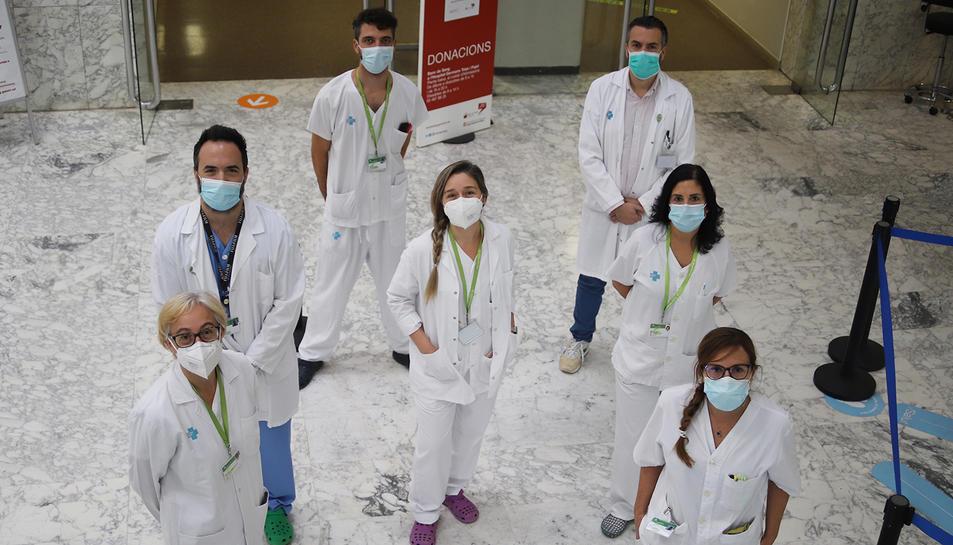 Foto de grup dels professionals que formen part de l'equip ictus retina de Can Ruti.