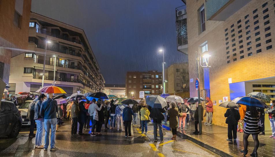 La concentració s'ha fet tot i que a les sis de la tarda plovia a Tarragona.