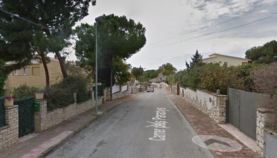 Imatge del carrer Paranys de Cala Romana, on diumenge van entrar a robar en un dels xalets.