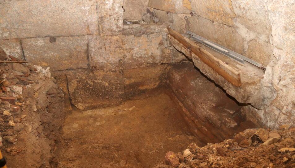 Restes arqueològiques romanes que l'Ajuntament excava a l'immoble del carrer Civaderia.