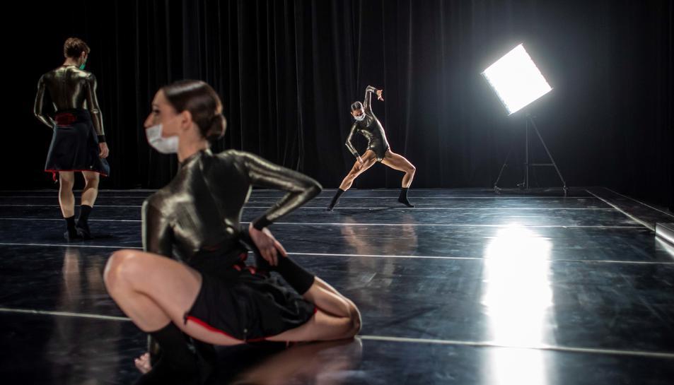 Assajos marcats per la pandèmia del Ballet Nacional de Txèquia