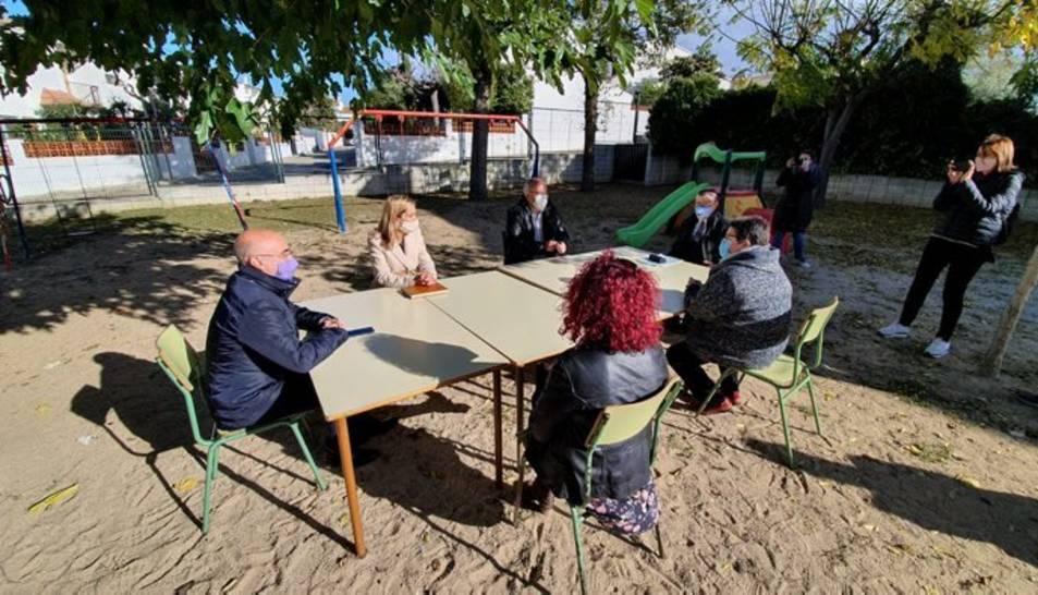 El conseller durant la seva visita a l'Escola Eladi Homs.