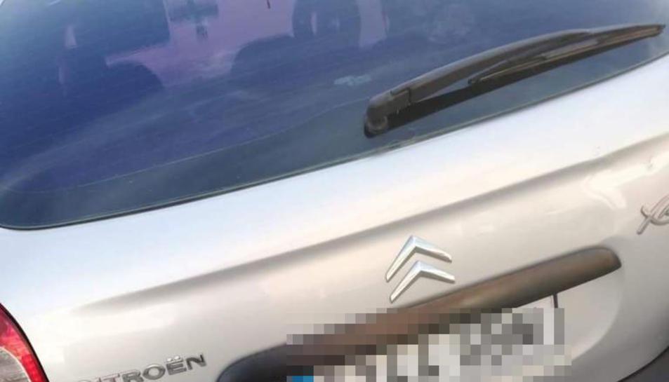 Imatge del vehicle que va fer l'amiga d'una de les joves assaltada i que va permetre localitzar-lo