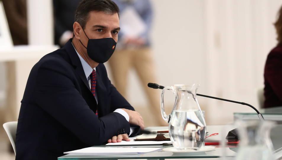 El president del govern espanyol, Pedro Sánchez, en la reunió amb els agents socials a la Moncloa.