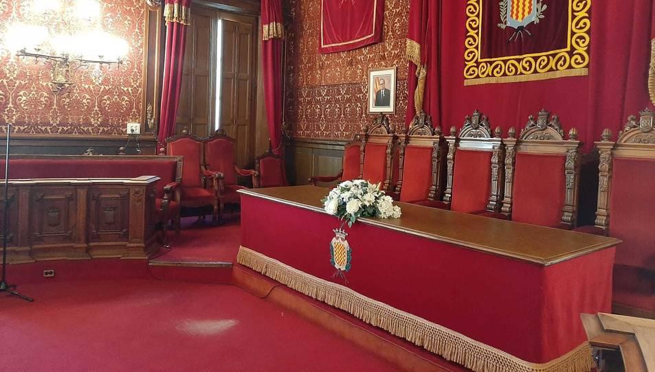 El Saló de Plens preparat per una cerimònia.
