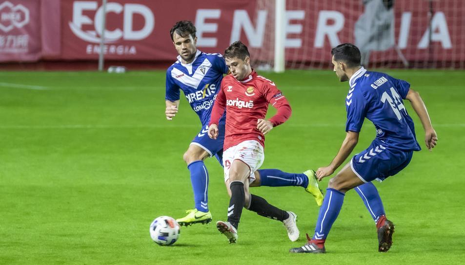 Fran Carbia, durant el Nàstic-Badalona, que va acabar amb empat sense gols i en el qual Carbia va disputar 27 minuts.