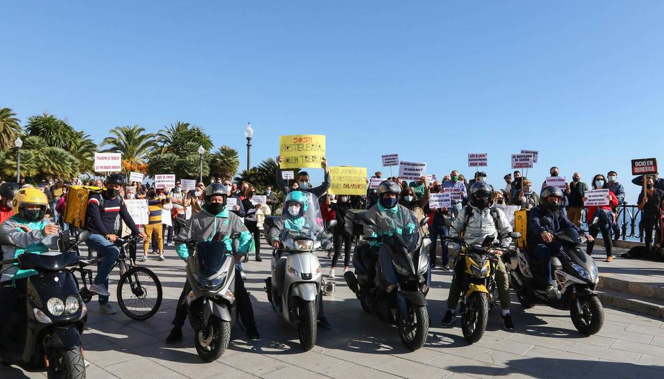 Manifestació del sector de l'hosteleria al Balcó del Mediterrani (II)