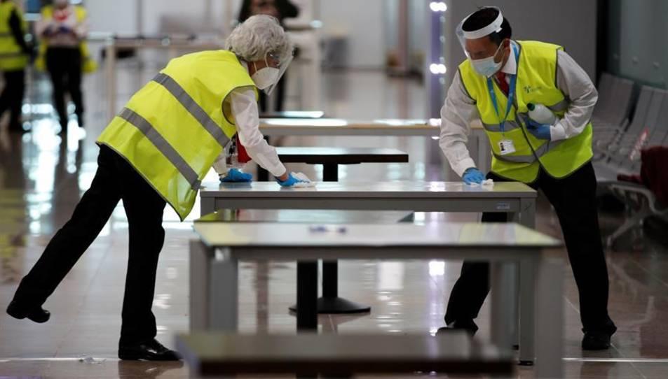 Les instal·lacions de l'Aeroport Josep Tarradellas-El Prat de Barcelona s'adapten per a aplicar el nou protocol de seguretat.